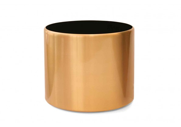 A pot for spark ling lovers with bright golden color