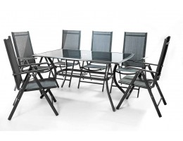 A Seat For 6 People With Aluminum Chairs
