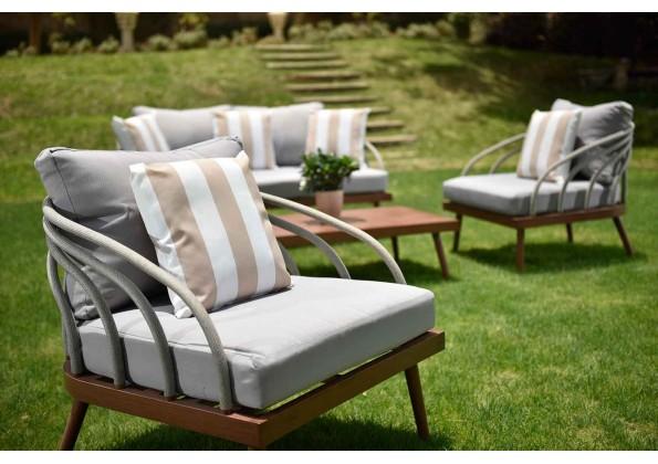 Elegant Beige And White Cushion