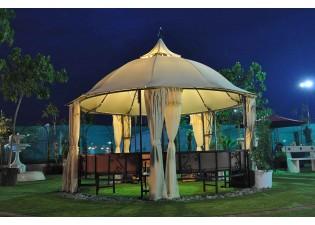 مظلة حديقة دائرية كبيرة مع مقعد