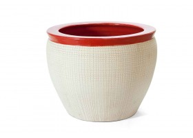 Beige Color Pot Wit Red Edges