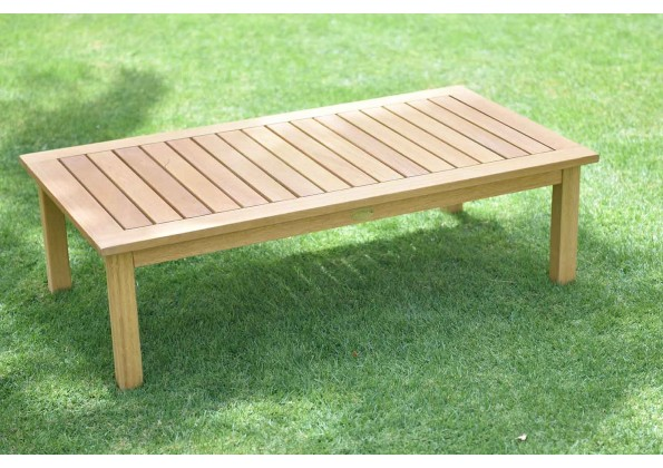 طاولة مشروبات خشبية متوسطة الحجم